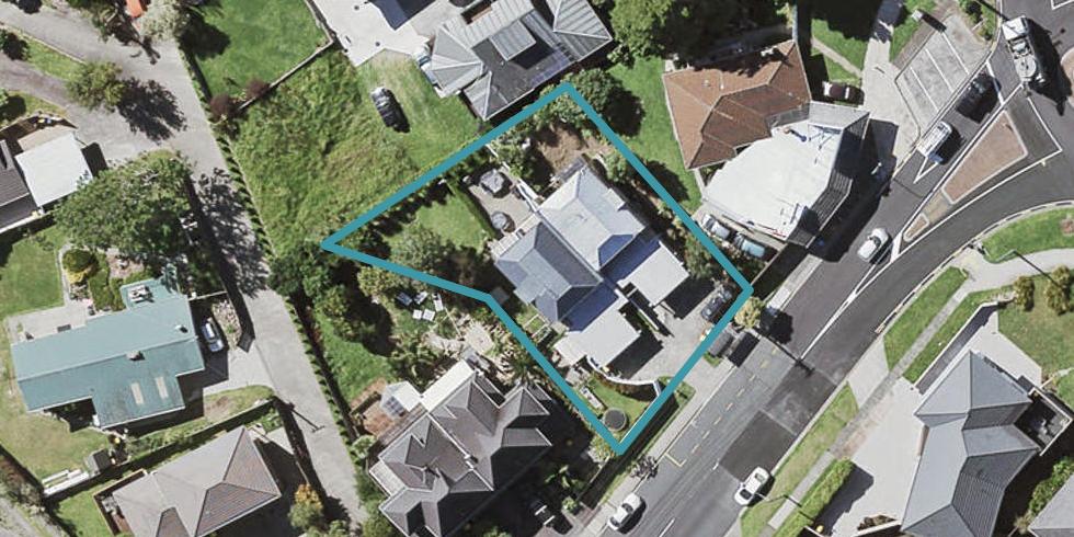 2/2 Sunnynook Road, Sunnynook, Auckland