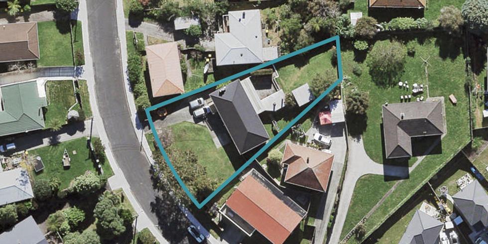 8 Castaing Crescent, Te Atatu South, Auckland