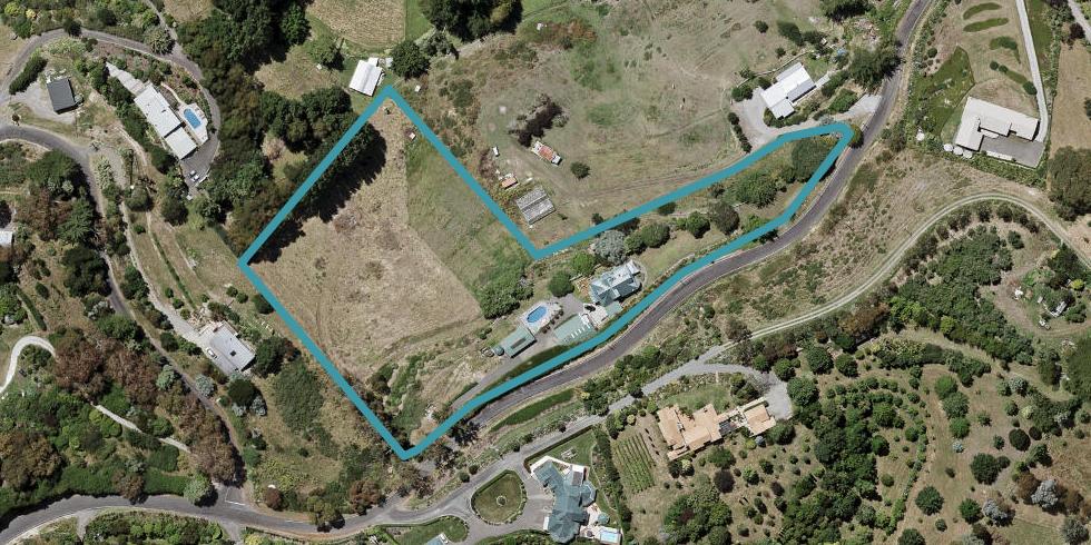 247 Poraiti Road, Napier