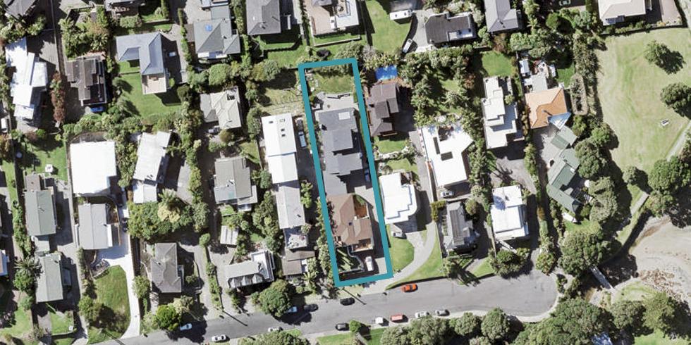 2/48 Masterton Road, Rothesay Bay, Auckland