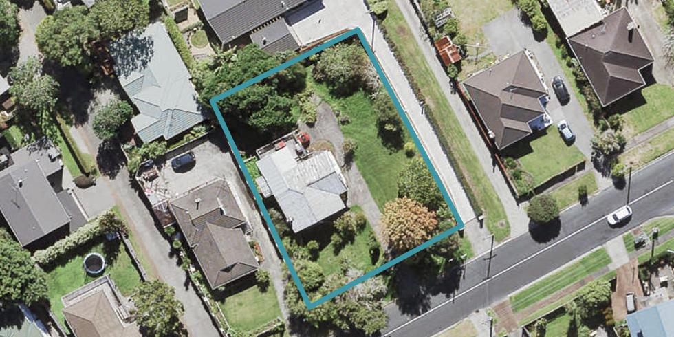 1 West Lynn Road, Titirangi, Auckland