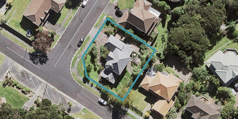 98 Onetaunga Road, Chatswood, Auckland