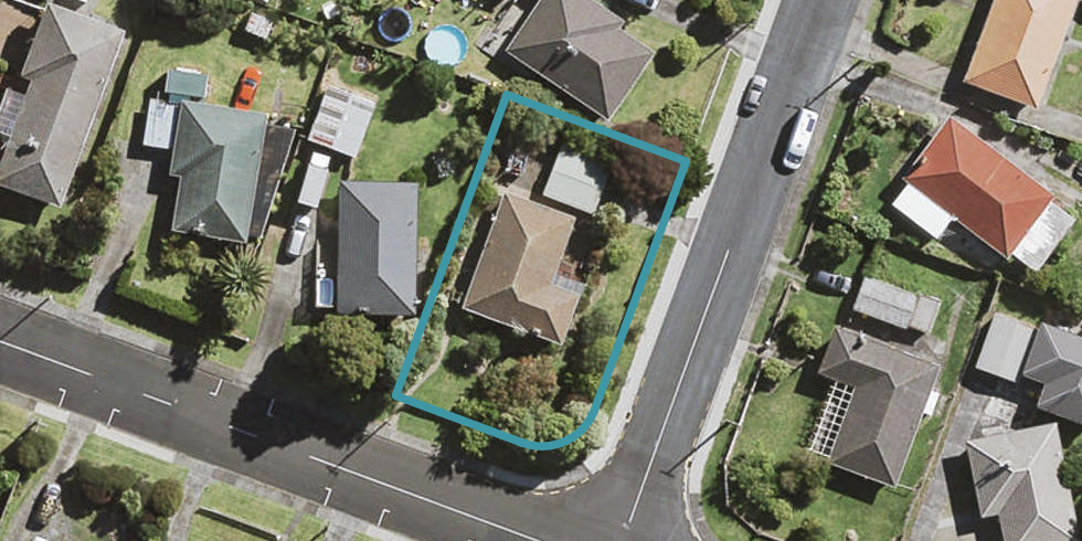 49 Smythe Road, Henderson, Auckland