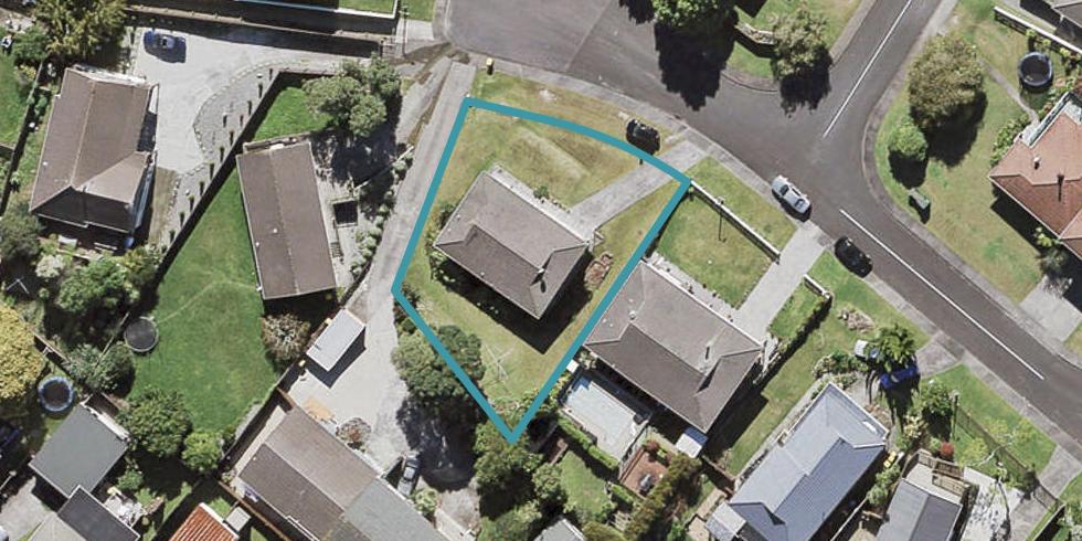 18 Longbill Place, Glendene, Auckland
