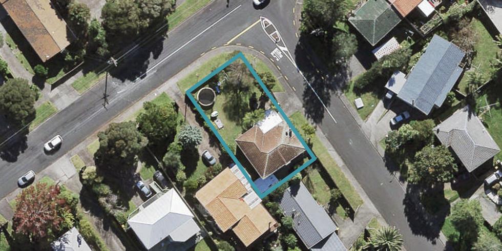 39 Roberts Road, Te Atatu South, Auckland