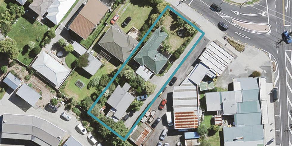 1/4 Kaurilands Road, Titirangi, Auckland