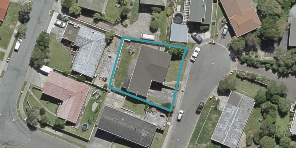 2 Spicer Place, Tawa, Wellington