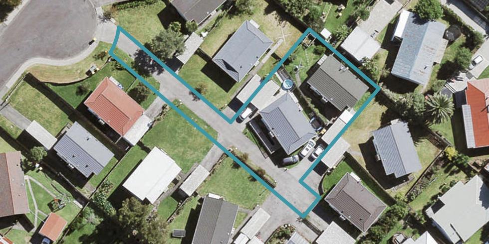 17 Taremaro Place, Henderson, Auckland