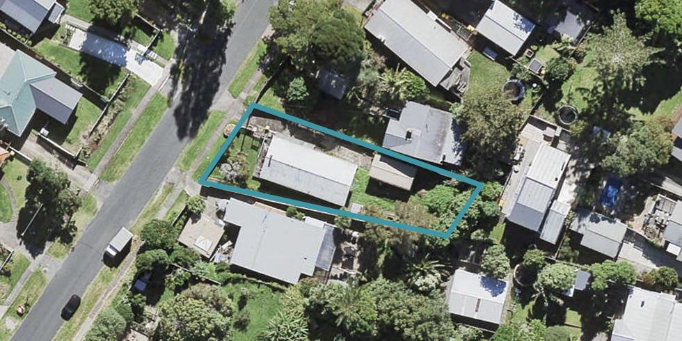 5 Rambler Crescent, Beach Haven, Auckland