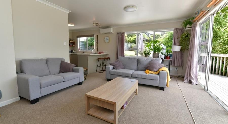 2/19 Malters Place, Browns Bay, Auckland