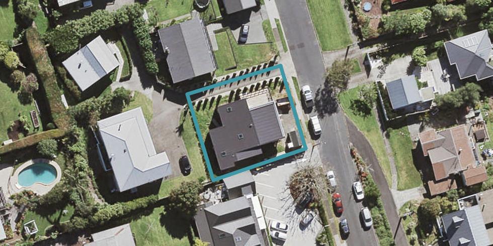 8A Bank Street, Hillcrest, Auckland