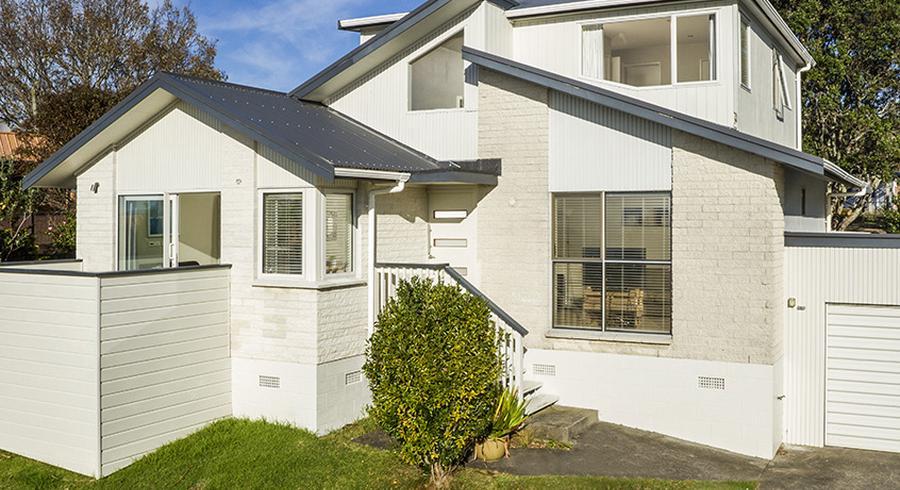 1/25 Aotearoa Terrace, Murrays Bay, Auckland