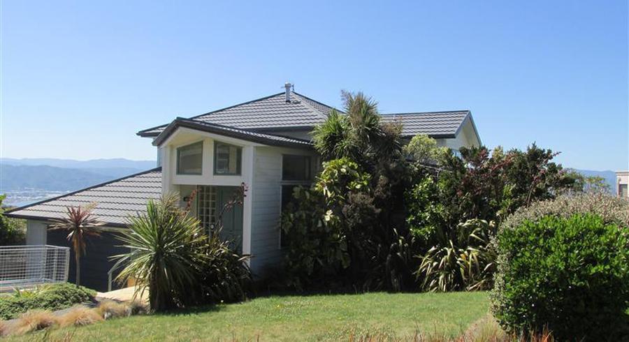 44 Dress Circle, Newlands, Wellington