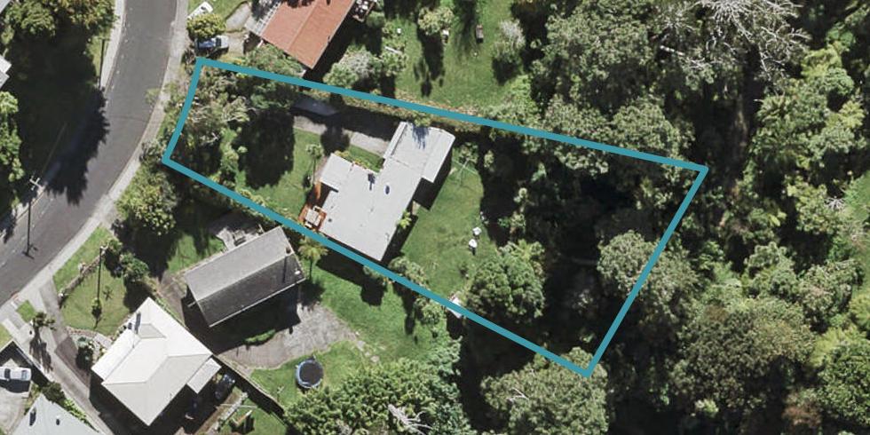 30 Crystal Avenue, Glendene, Auckland