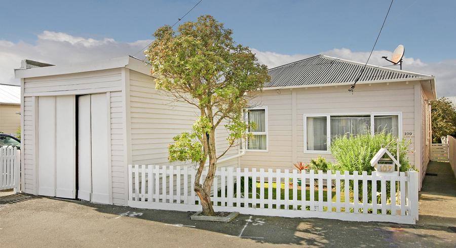 109 Onepu Road, Lyall Bay, Wellington